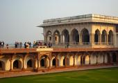 Ladies Bazaar & Diwan-i-Khaz i Agra Fort