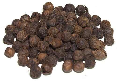 svartpeppar, vitpeppar och grönpeppar